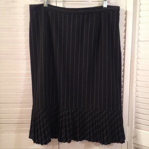Nygard Collection 14 Black Pinstripe Pleated Skirt